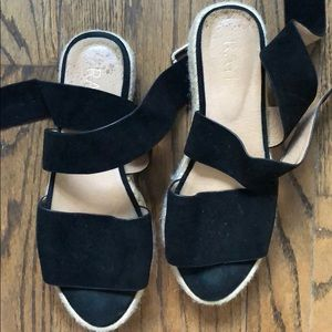 Raye sandals